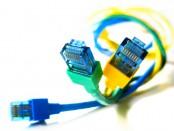 Internetkabel med glada färger från sxc.hu