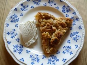Äppelpaj med glass
